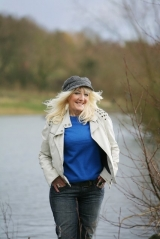 <h5>'Womans Own' photo shoot</h5><p>'Womans Own' shoot Feb 2014  by Steve Hill www.stevehillphotograpy.net Taken at Holmebrook Valley Country Park, Chesterfield, Derbyshire.</p>